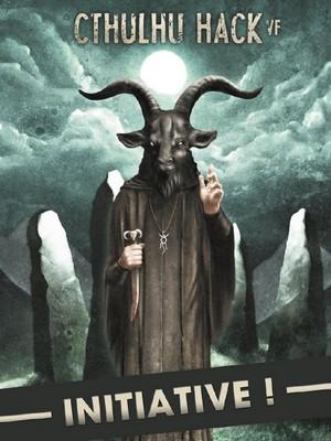 Couverture du manuel Initiative Cthulhu Hack. Elle représente un personnage à tête de chèvre noire, en robe noire, un couteau sacrificiel à la main, devant un cercle de pierres dressées sous la pleine lune.